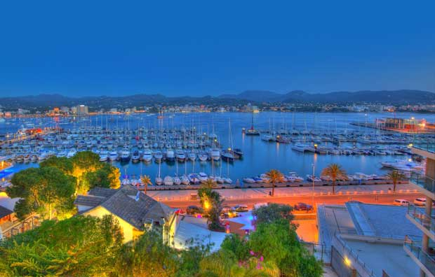 What to Do in Spain - Sant Antoni de Portmany Has A Lot of Cafes And Bars