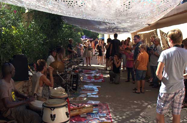 Spain Travel Tips - Es Canar A Place With Hippie Market, And Surfing Locations