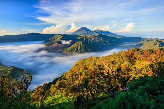 Most Amazing Volcanoes in The World - Mount Bromo Near Semeru And Mount Batok, Volcanoes
