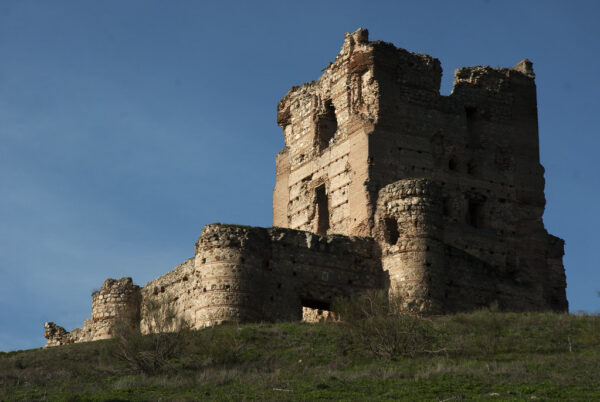 Beautiful Spanish Castles Near Madrid - Castle Aulencia On The Horcajo Hill