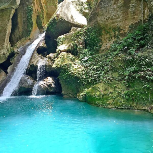 Caribbean Travel Tips - Bassin-Bleu For Swimming And One of Best Attraction For Tourists