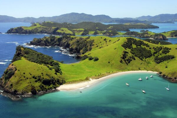 Most Beautiful Landscapes in New Zealand - Bay Of Islands is One of Most Popular Holiday Destination