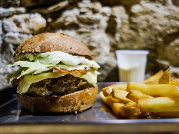 What to Do in Brazil - Comuna A Place to Eat Delicious and Cheap Burgers