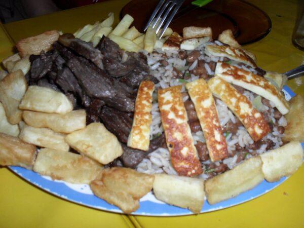Cheap Food in Rio De Janeiro - Feira de São Cristóvão to Eat Bahia Food & Products