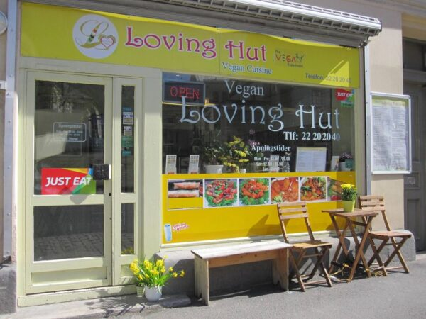Loving Hut Serves Vegetarian Asian Fast Food - Top Vegetarian Restaurants in Oslo