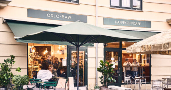 Top Vegetarian Restaurants in Oslo - Oslo Raw Café Serves Delicious Home-Made Snacks