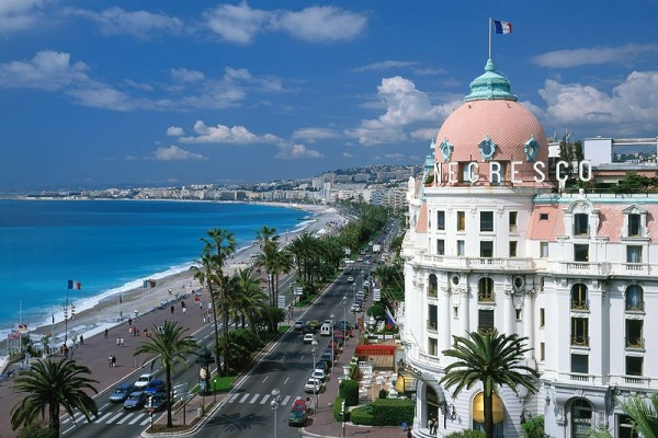 Beautiful Tourist Attractions in Nice - Promenade des Anglais Has One of Most Famous Streets