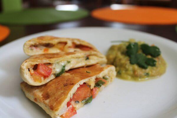 Best Vegan & Vegetarian Restaurants in Rio de Janeiro - Bardana Has Lactose-Free Desserts