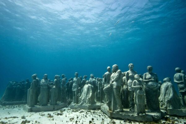 Beautiful Sculptures in The World - Cancún Underwater Museum Made By Jason Taylor