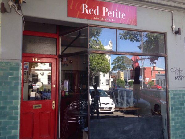 Travel Guide Australia - Red Petite Thai Cafe Offers Pad Thai in Clarendon Street