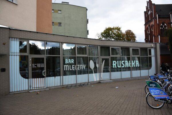 Cheap Restaurants in Warsaw For Tourists - Rusałka. Bar mleczny KNown For Zupa Barszcz