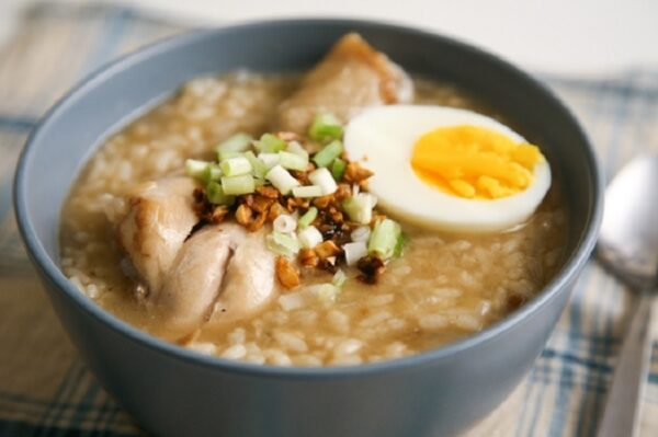 Most Delicious Foods to Eat in Philippines - Arroz Caldo is Rice Porridge With Chicken And Egg