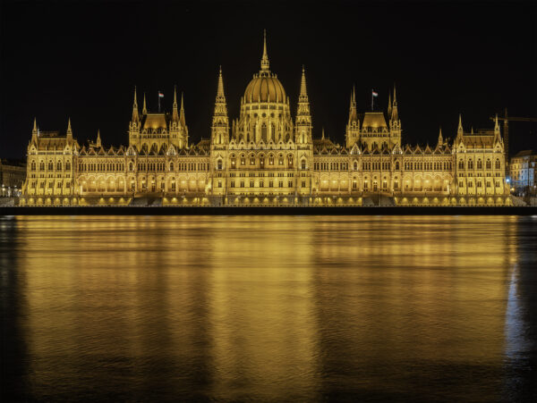 Travel Guide Hungary - Hungarian Parliament Building Was Built in 1902