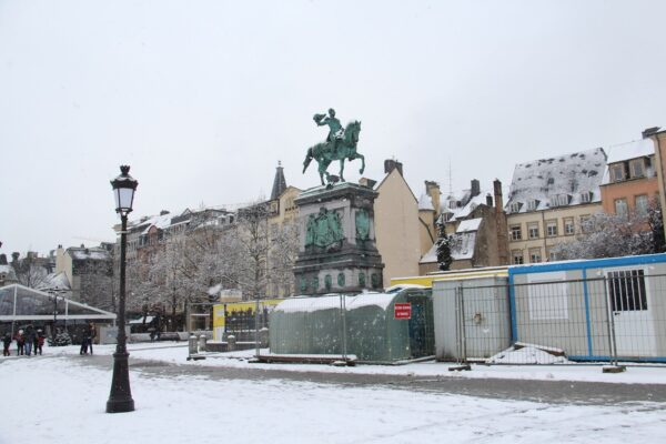 Best Attractions in Luxembourg - Place Guillaume II Has Trémont Lions Statues