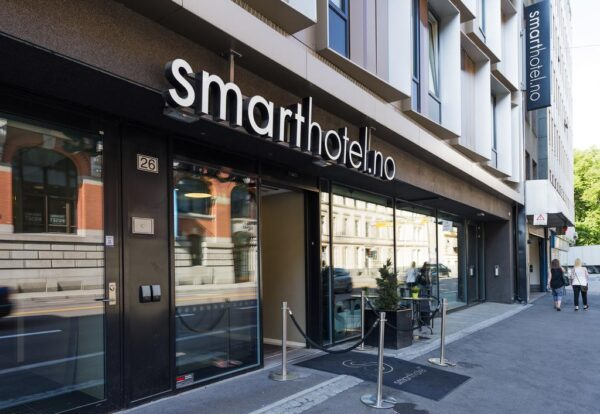 Budget Hostels And Hotels in Oslo - Smarthotel Oslo Has A Nice Breakfast Room Service