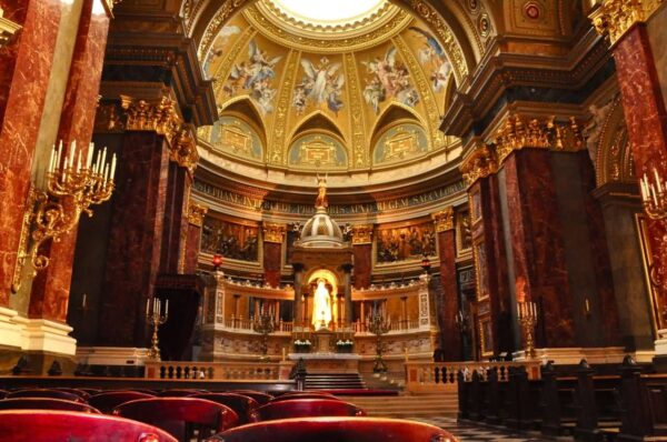 Best Tourist Attractions in Budapest - St. Stephen's Basilica Has A Neoclassical Style
