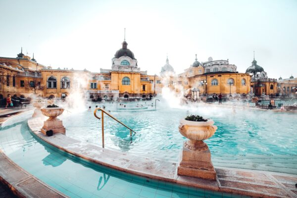 Travel Guide Hungary - Széchenyi Thermal Bath Where you can relax in Outdoor Pools