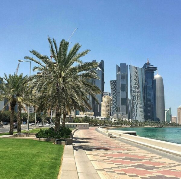 Doha Tourist Attractions - Doha Corniche is 7 km Long And has Exciting Green Landscapes