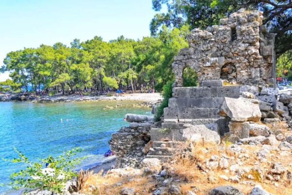 Turkey Travel Tips - Phaselis Has Rocky Ground And Not So Deep Waters