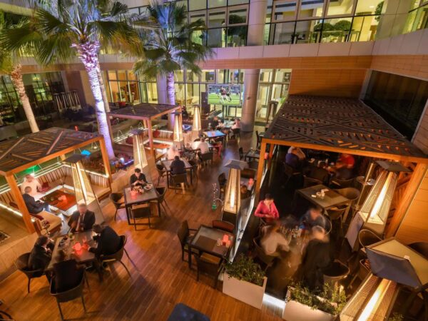 Middle East Travel Guide - Al Nafourah Garden is A Lebanese Restaurant in The Hyatt Regency Oryx