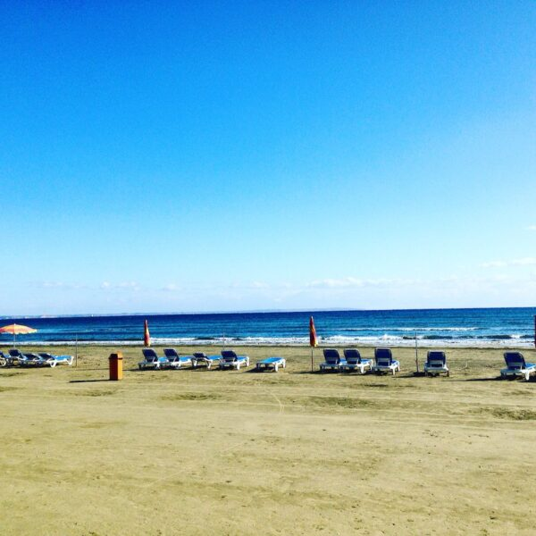 Larnaca Beaches Guide For Tourists - Finikoudes is Especially Suitable For European Tourists