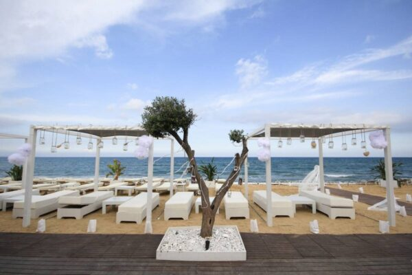 Travel Guide Cyprus - Galu Beach Belongs to A Resort And it is A Place For Weddings
