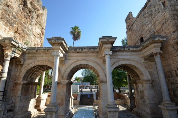Best Antalya Attractions For Tourists - Hadrian's Gate Belonged to Greek And Roman Empires