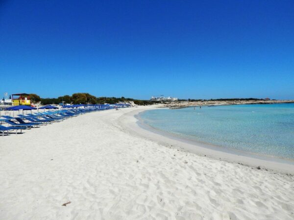 Beaches in Ayia Napa to Visit in Summer - Landa Beach is A Very Comfortable Location And Well-Equipped Area