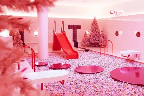 Asia Travel Tips - Museum of Ice Cream is Located At is at 100 Loewen Rd