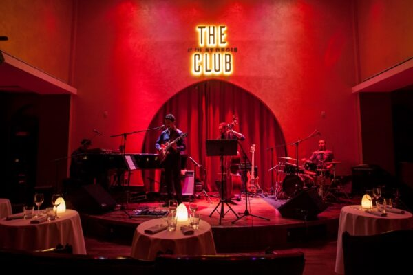Nightlife Qatar Places For Tourists - The Club at the St. Regis Doha Belongs to the St. Regis Hotel