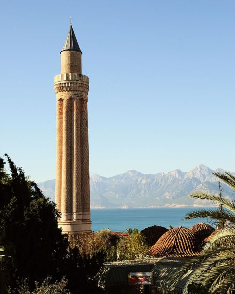 Antalya Tourist Attractions Tips - Yivliminare Mosque is Suitable For History Buffs
