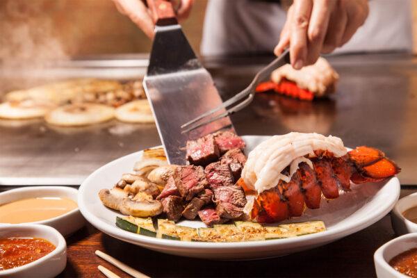 Arkansas Food Guide - Benihana Specializes in Teppanyaki or Hibachi Japanese Grilling Method