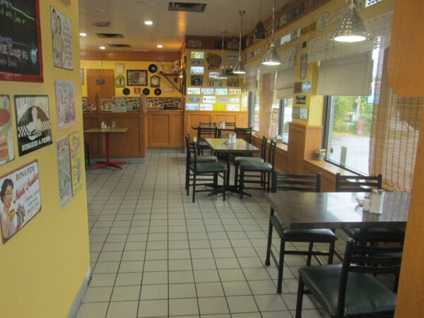 Top Restaurants in Trenton - Dapp's Restaurant Has Light Meals And Fantastic Breakfast