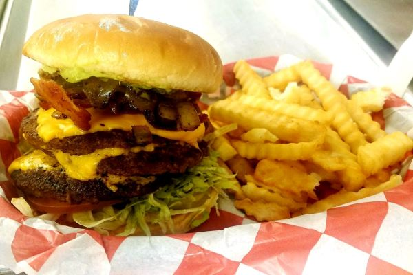 Top Restaurants in San Angelo - Grill-A-Burger is Located At Chadbourne Street