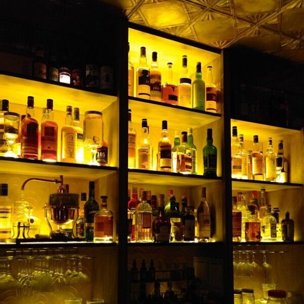 Best Bars in Paris For Tourists And Travelers - Moonshiner is The Place to Try Some Decent Quality Cocktails
