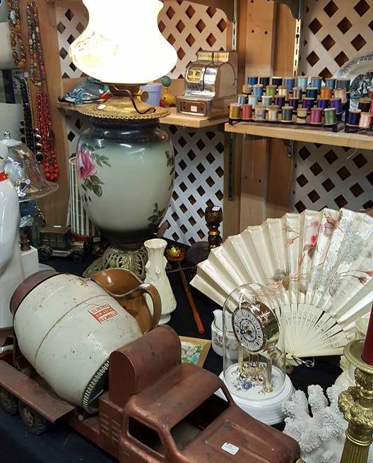 Top Flea Markets in Connecticut - Flea Market at the Crossing is at The Plainville Town