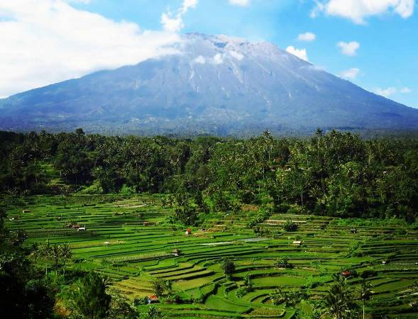 Travel Guide Indonesia - Mountains Here Are Mount Agung, Batur and Kintamani
