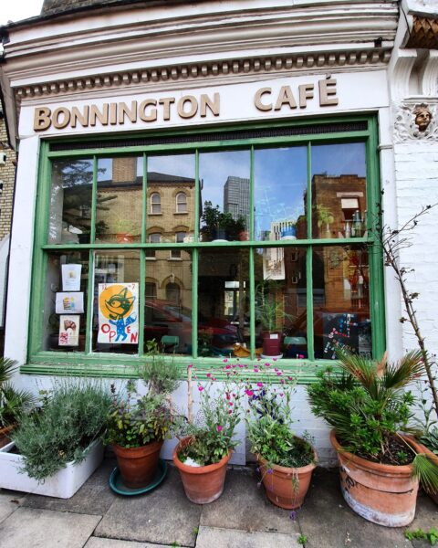 London Food guide - Bonnington Cafe Offers Home Cooked Vegetarian And Vegan Dishes