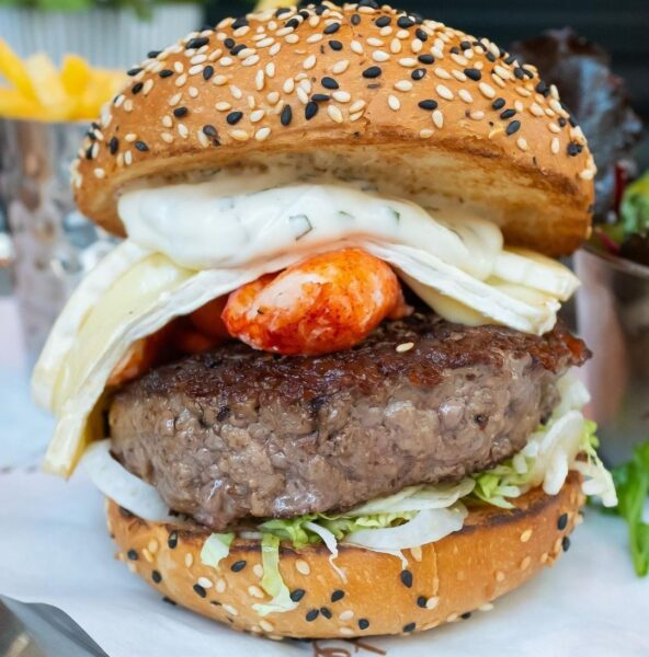 Top Burgers London Tourists Can Enjoy - Burger & Lobster Started From A Small Pub in London