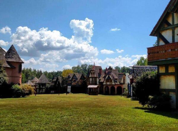 Carolina Renaissance Festival is A 16th Century European Themed Fair - Top Renaissance Fairs in USA