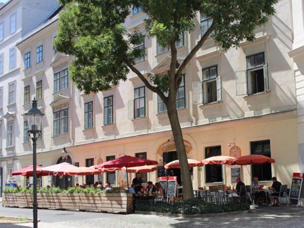 Centimeter I Restaurant beim Rathaus Provides Both Local And International Cuisine - Best Restaurants Wien Visitors Can Enjoy