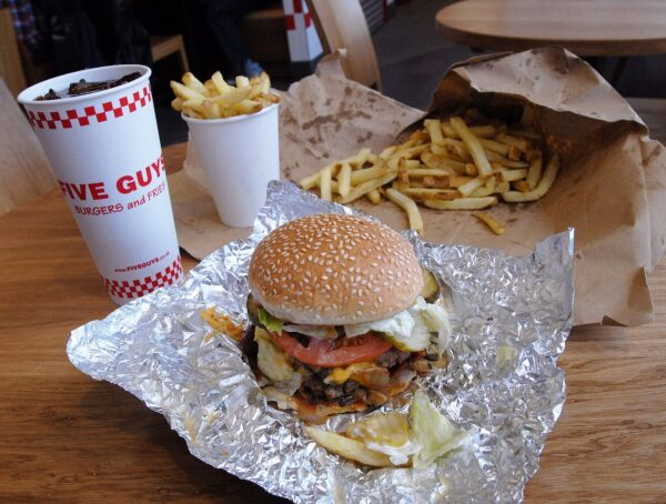 Five Guys is A a Family Business Started in1986 in USA And Offers Fresh Food - UK Travel Tips