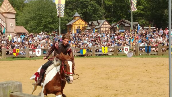 Best Renaissance Festivals in USA - Maryland Renaissance Festival has A 27 Hectares of Area