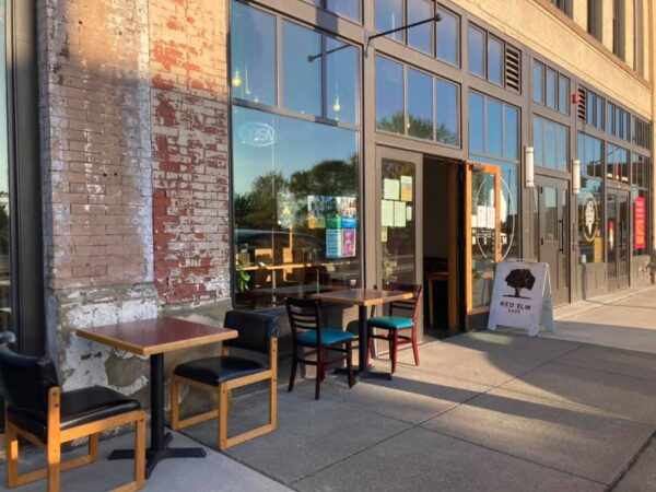 USA Travel Tips - Red Elm is Located in Martin Luther King Jr Way With Breakfast And Lunch Deals
