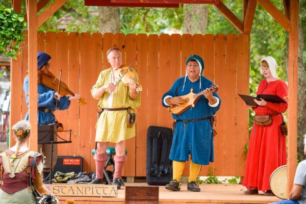 Best Renaissance Festivals in USA - Texas Renaissance Festival Operates Since 1974