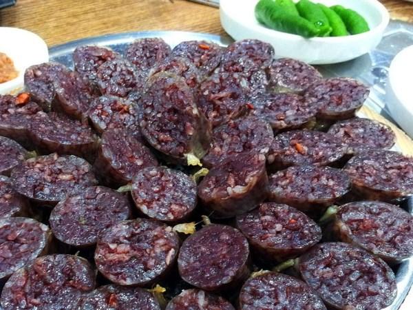 Sundae braised Pork or Beef Meat Sausage - South Korea Travel Guide